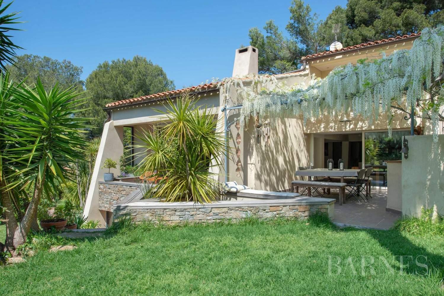 Vente - Sanary - La Cride - Villa d'architecte - Piscine - Proche plage et port picture 8