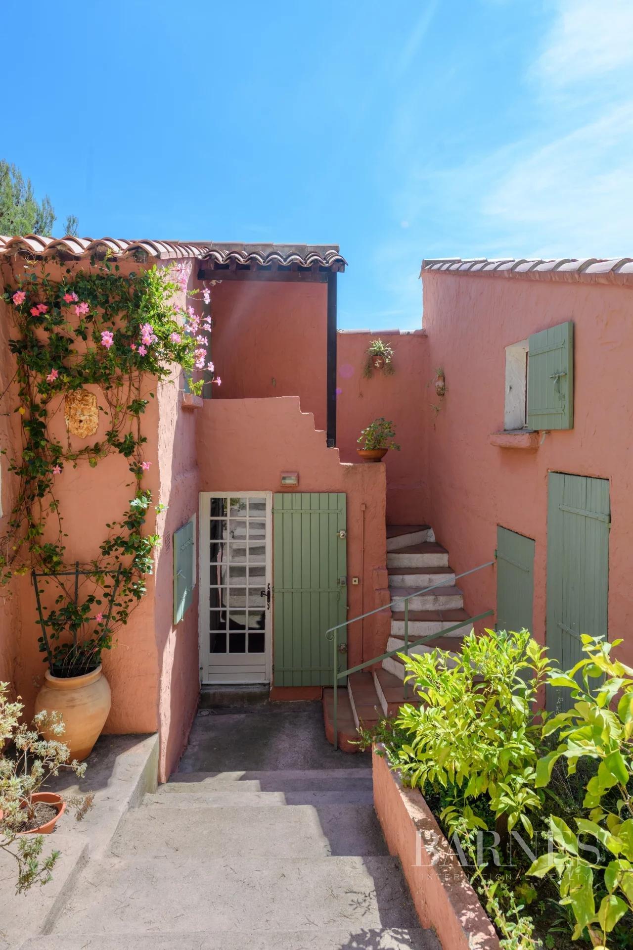 Sanary-sur-Mer  - Maison 9 Pièces 7 Chambres - picture 7