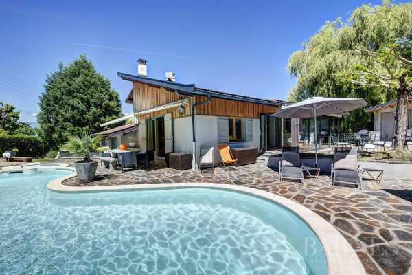 Villa Saint-Julien-en-Genevois - Ref 3049434