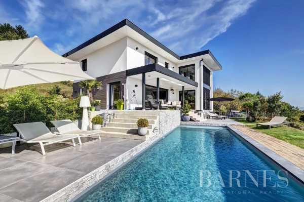 Villa Cuvat  -  ref 5647324 (picture 1)