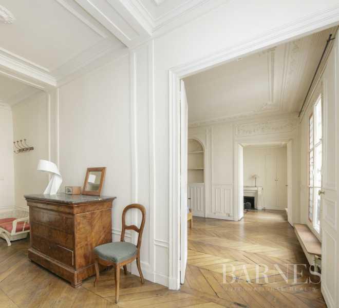 Paris  - Appartement 5 Pièces 3 Chambres