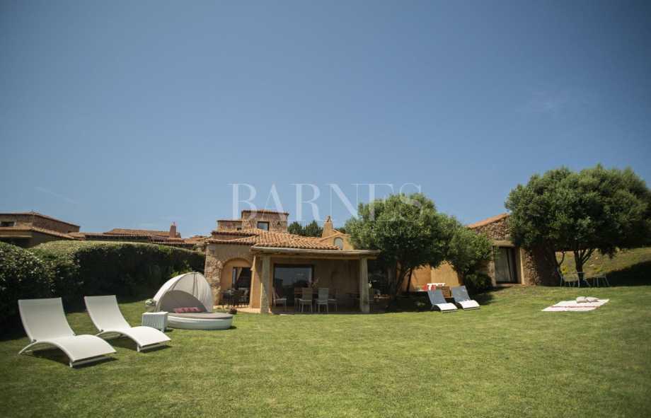 Villa near beach with garden picture 19