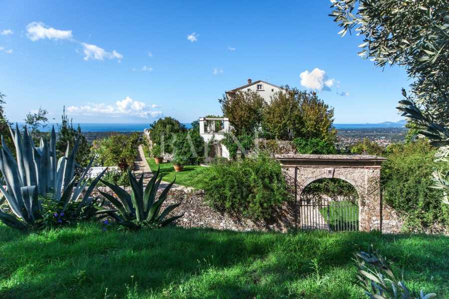 Villa with panoramic views on the sea and mountains, swimming pool picture 19