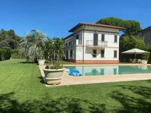 Villa Forte dei Marmi  -  ref 5080245 (picture 1)
