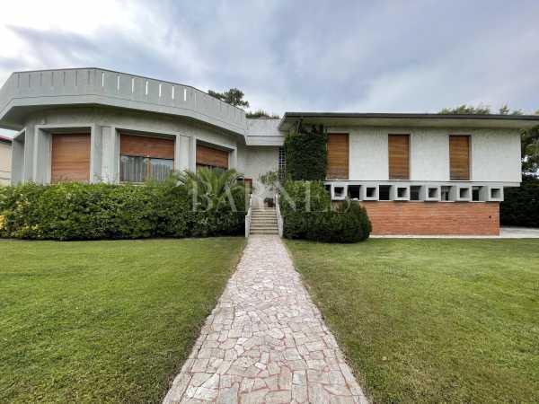 Villa Forte dei Marmi  -  ref 5808402 (picture 1)