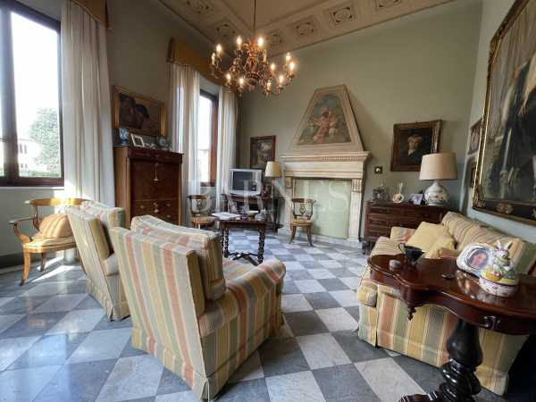 Villa Lucca  -  ref 5017651 (picture 1)