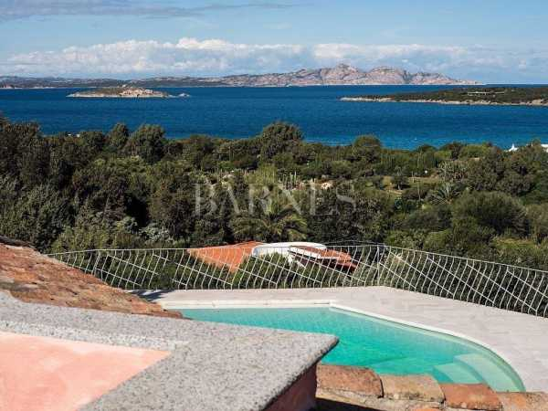 Villa Rosa with swim pool and sea view