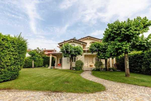 Villa Forte dei Marmi  -  ref 4958429 (picture 1)