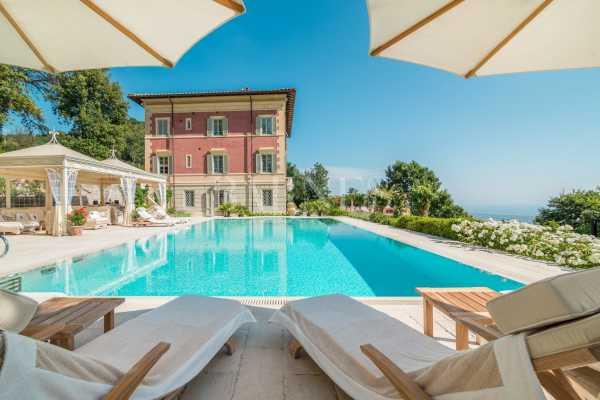Villa Pietrasanta - Ref 4231029