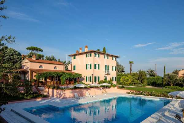 Villa Massarosa - Ref 3959168