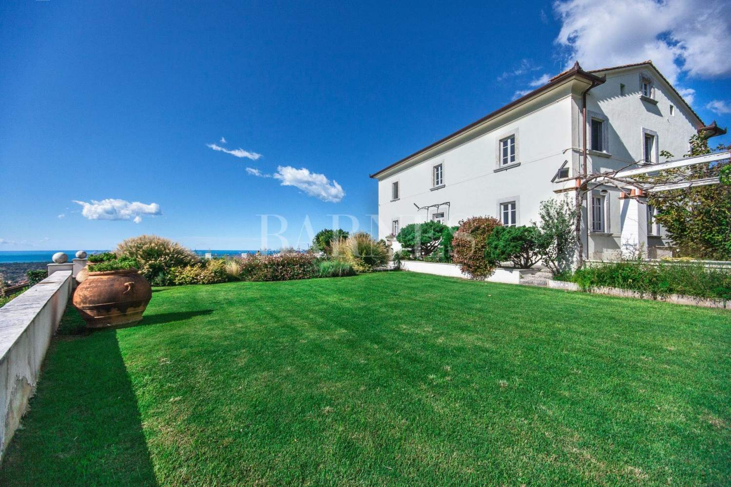 Villa with panoramic views on the sea and mountains, swimming pool picture 1