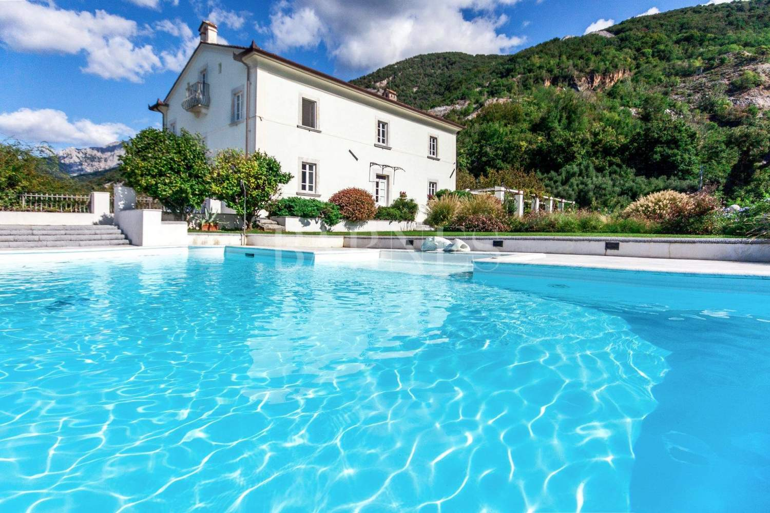 Villa with panoramic views on the sea and mountains, swimming pool picture 2
