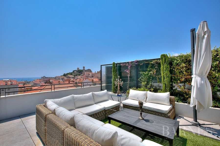 CANNES - CENTER CITY - TOP FLOOR - 1 076 SQ. FT TERRACE picture 11