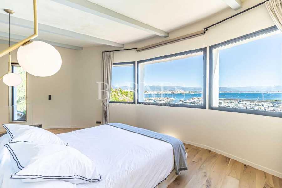 Antibes  - Villa  7 Chambres