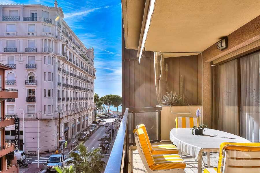 CANNES - DOWNTOWN - APARTMENT WITH TERRACE - NEAR CROISETTE picture 5