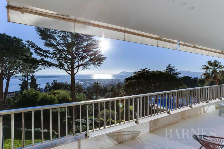 CANNES - PANORAMIC SEA VIEW - 2 BEDROOMS picture 13