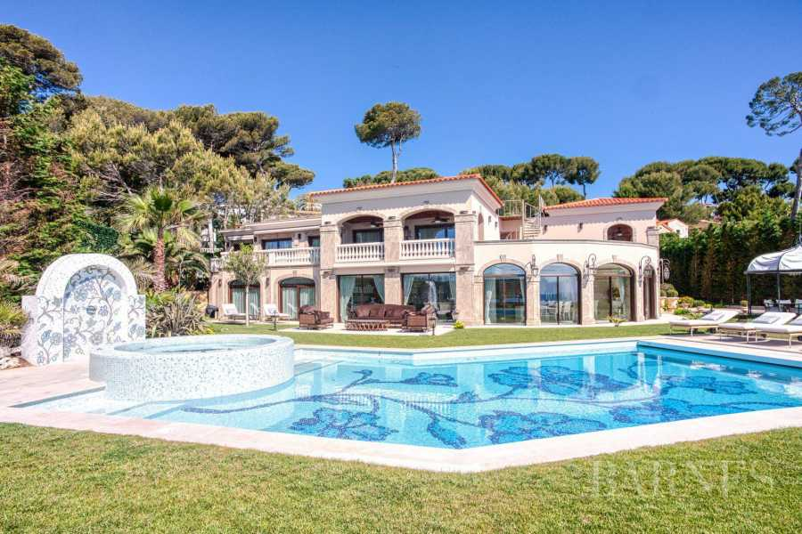 Antibes  - Villa 7 Bedrooms