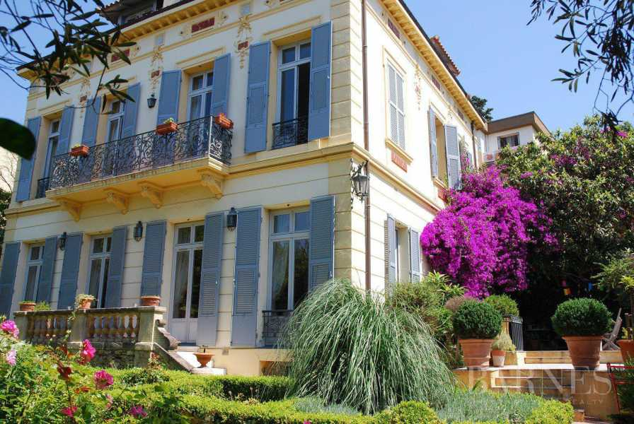 CANNES - VILLA IN THE CENTRE - BELLE EPOQUE - 7 BEDROOMS picture 13