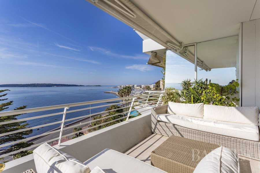 CANNES - APPARTEMENT - FRONT DE MER - 4 CHAMBRES picture 10