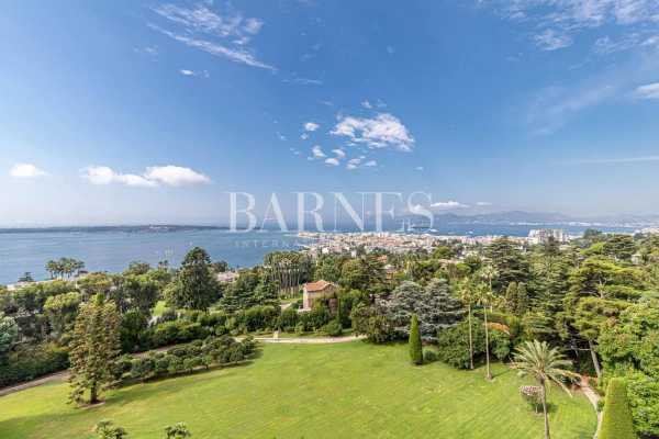 Appartement Cannes  -  ref 5819751 (picture 2)