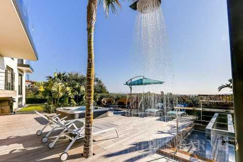 Villa Golfe-Juan  -  ref 2216515 (picture 3)