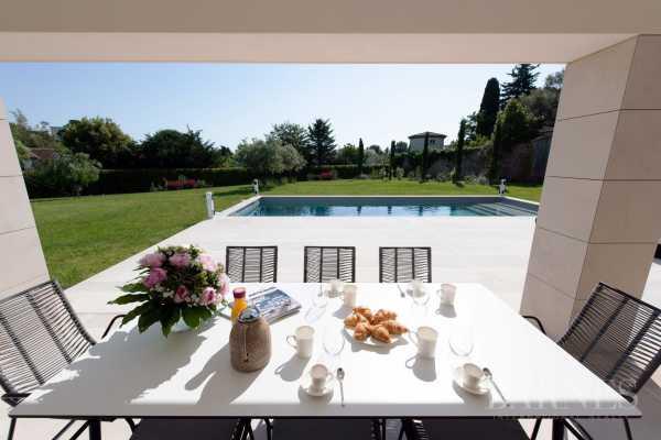 Villa Antibes - Ref 2695501