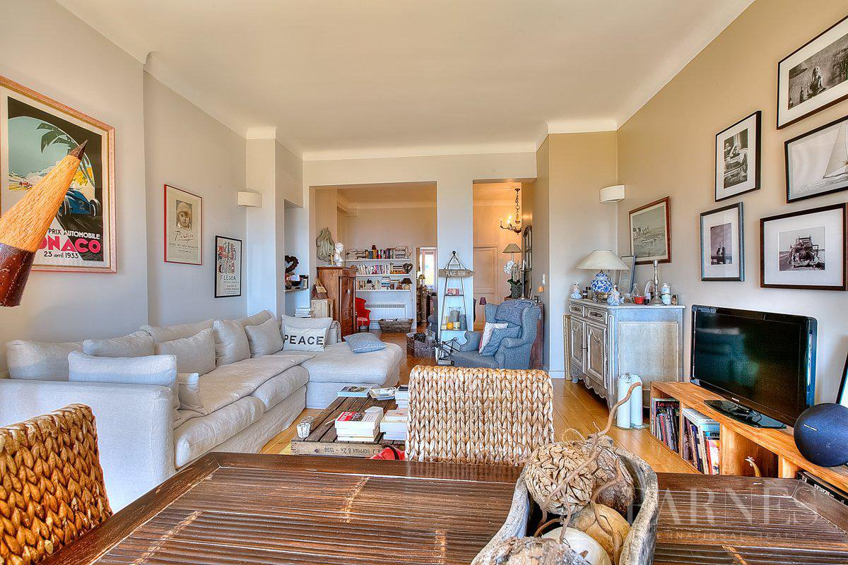 CANNES - TOP FLOOR - 3 BEDROOMS - PANORAMIC SEA VIEW picture 6