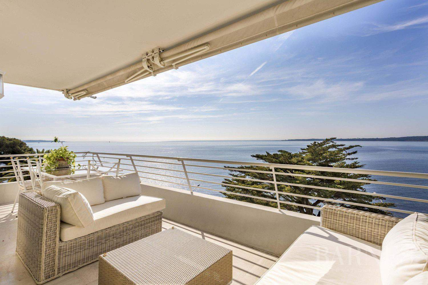 CANNES - APPARTEMENT - FRONT DE MER - 4 CHAMBRES picture 1