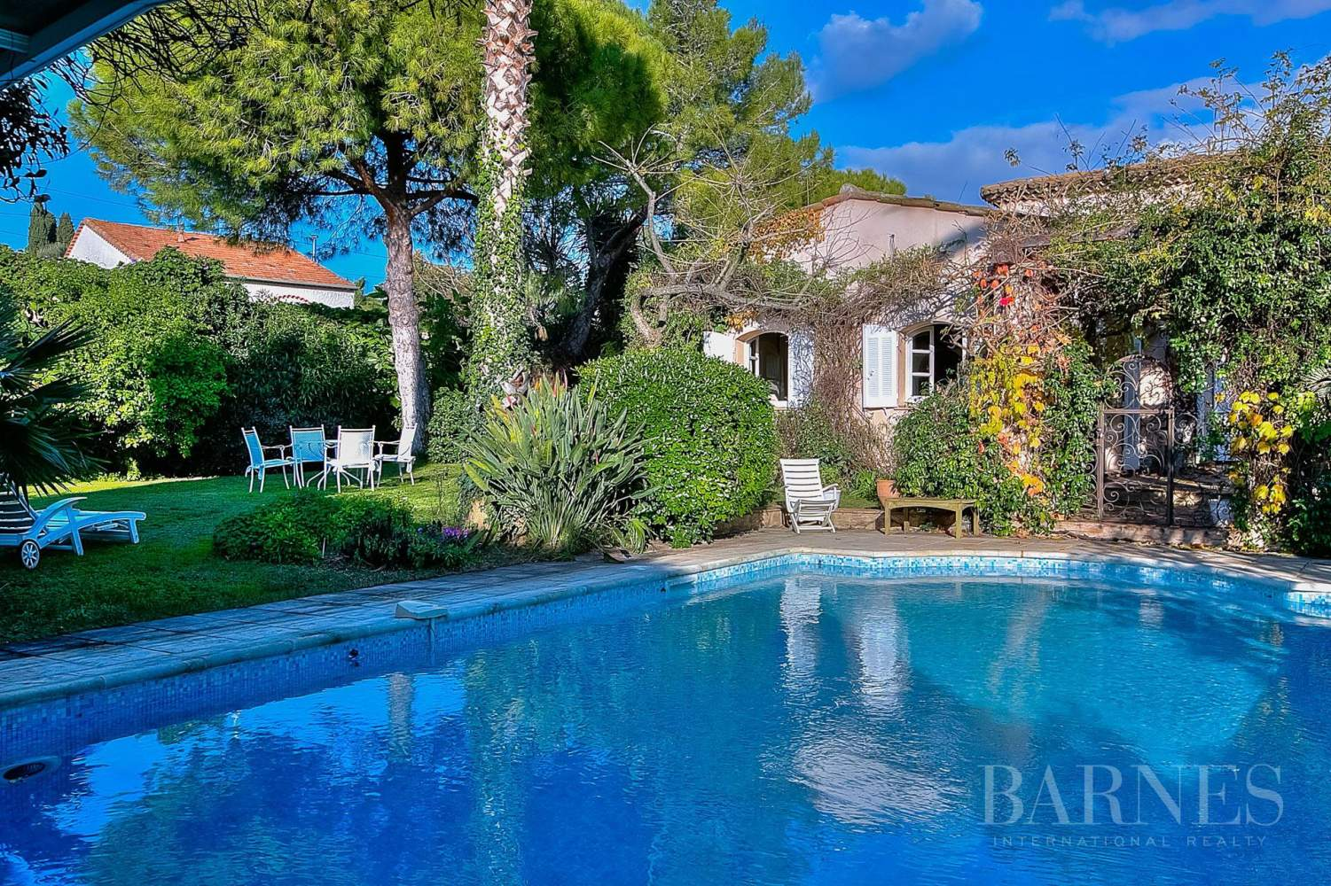 ANTIBES  ST MAYMES - PROVENCAL PROPERTY - SEA VIEW picture 11
