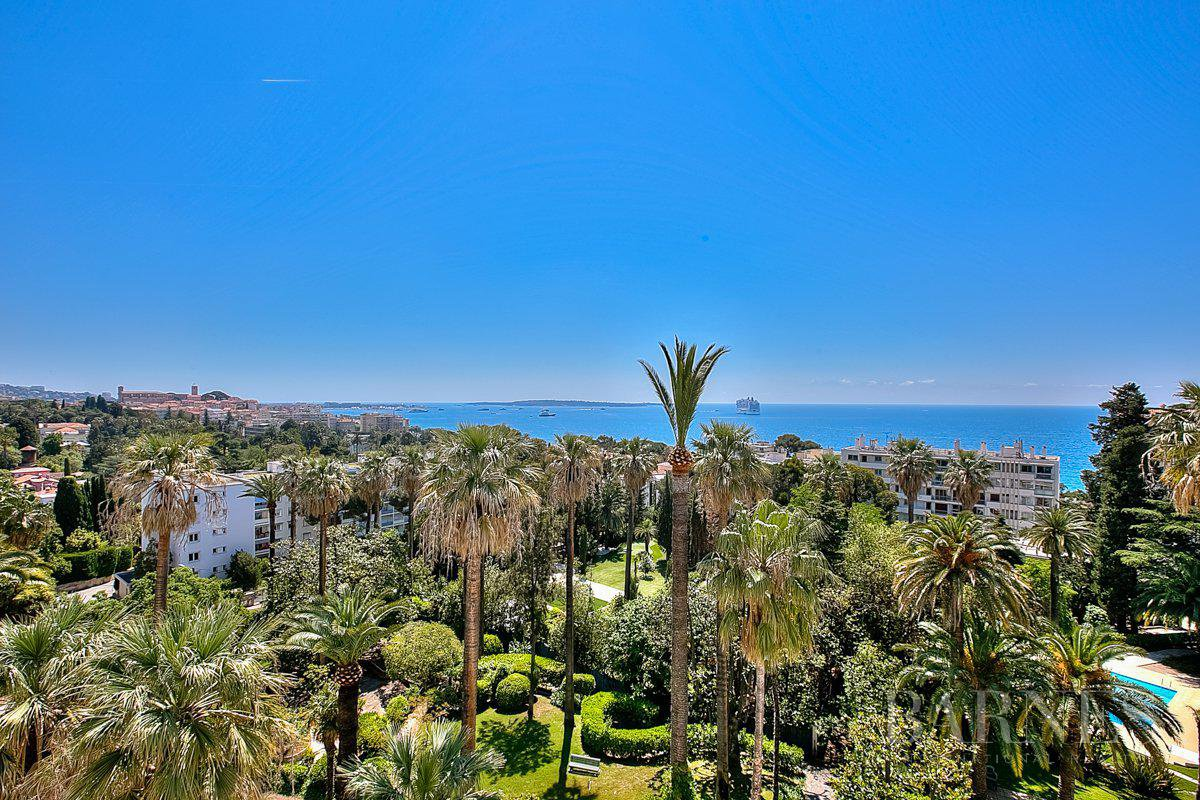 CANNES - TOP FLOOR - 3 BEDROOMS - PANORAMIC SEA VIEW picture 4