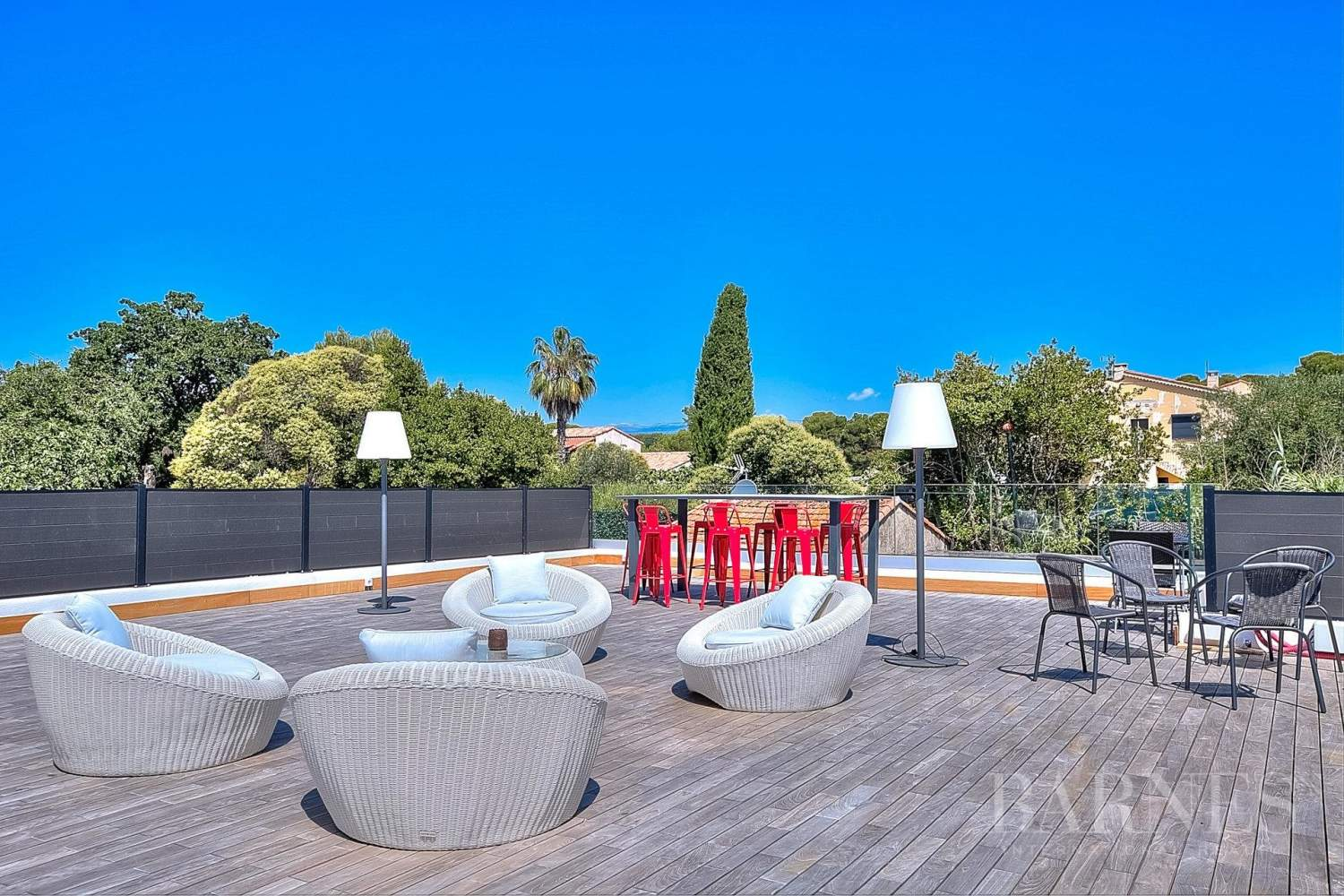 ANTIBES - ROOF TERRACE WITH SEA VIEW - SWIMMING POOL - 4 BEDROOMS picture 18