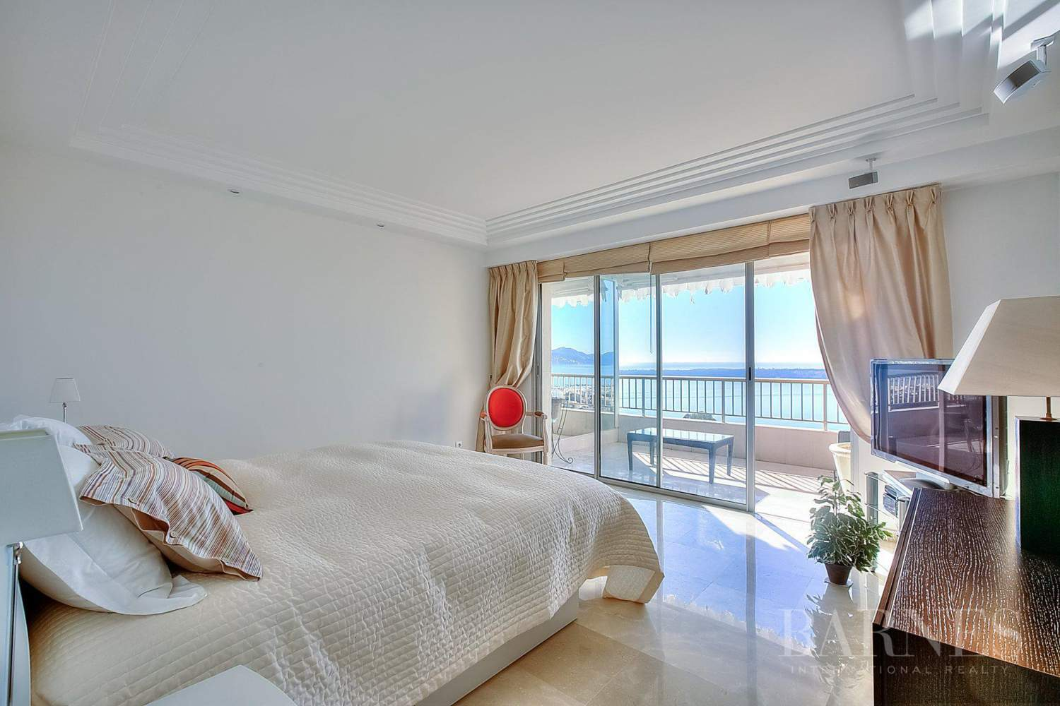 CANNES - CALIFORNIE - DUPLEX APARTMENT - TOP FLOOR APARTMENT - 3 BEDROOMS - PANORAMIC SEA VIEW picture 7