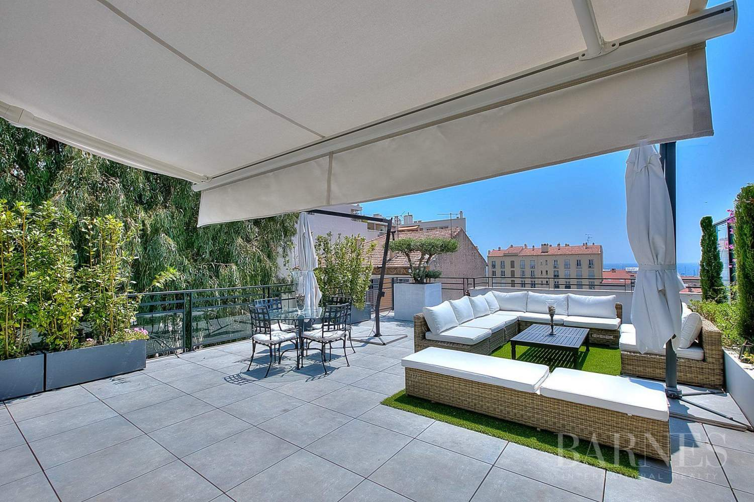 CANNES - CENTER CITY - TOP FLOOR - 1 076 SQ. FT TERRACE picture 1