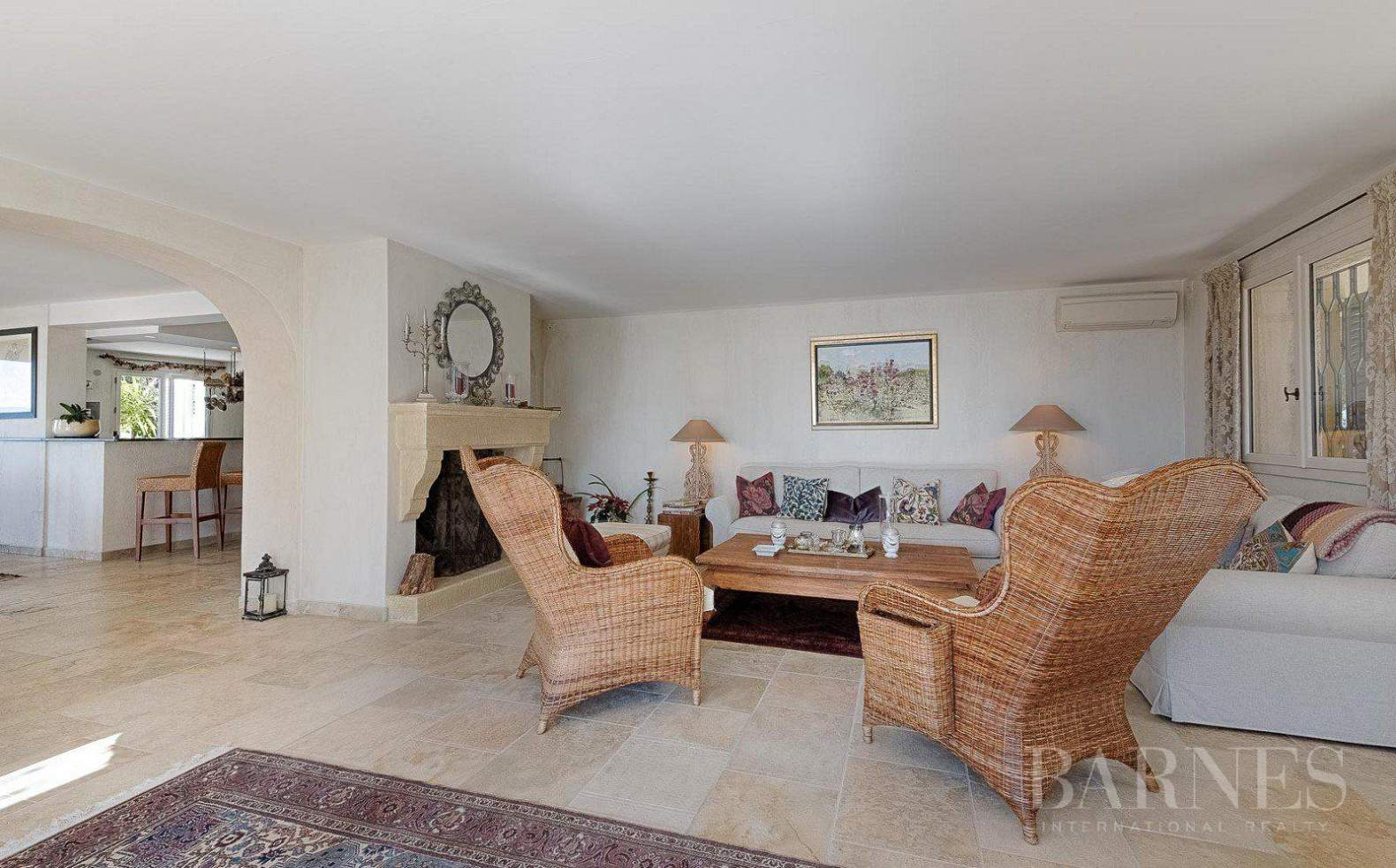 CANNES - CALM AREA - PROVENCAL BASTIDE - 5 BEDROOMS picture 4