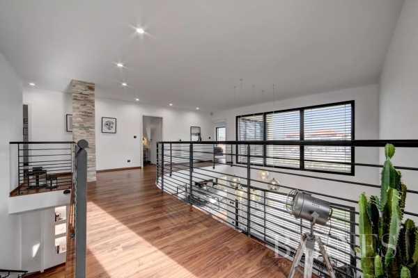 Appartement Ségny  -  ref 5072032 (picture 2)