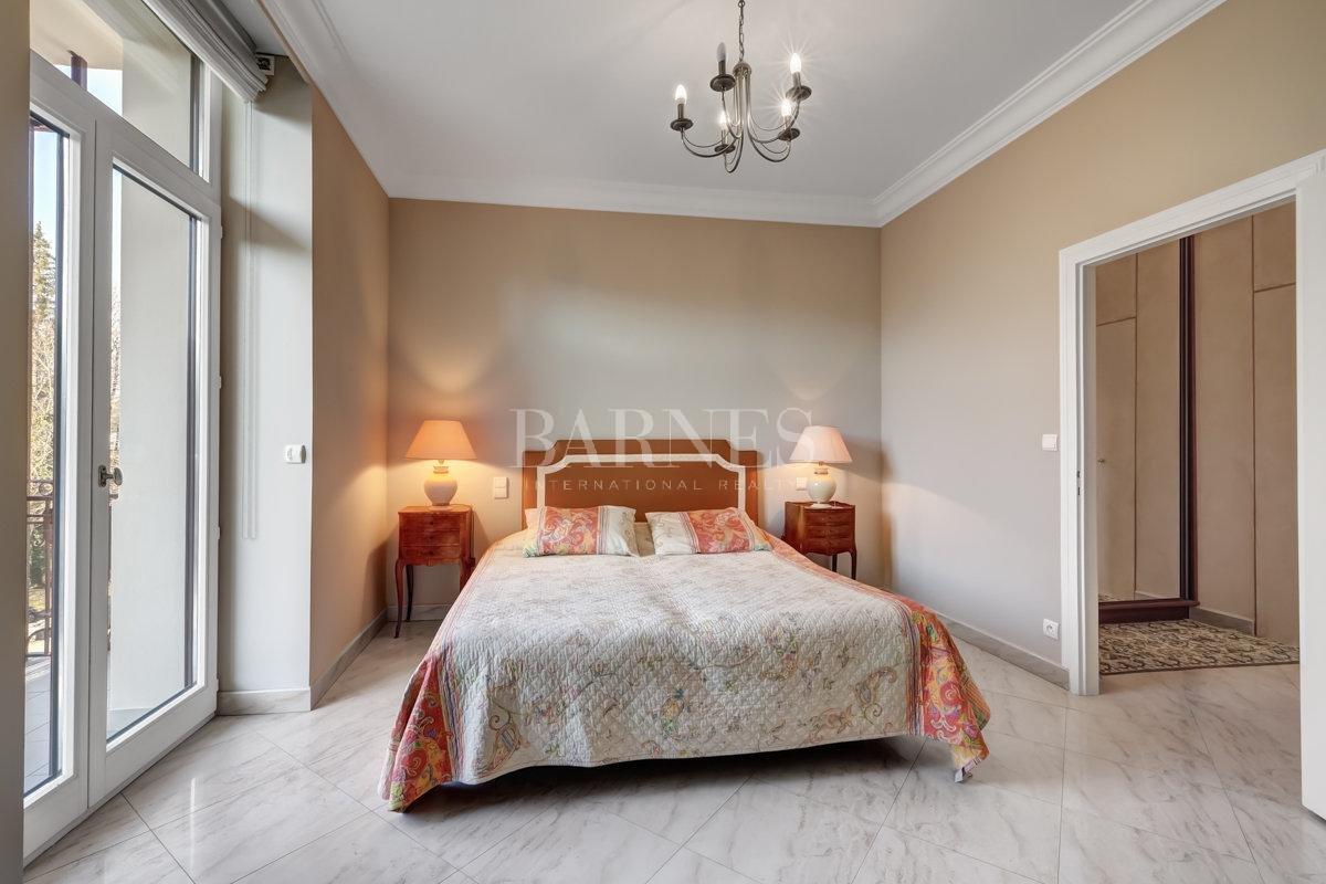Splendid luxury apartment picture 6