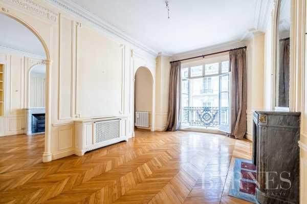 Apartment Paris 75008  -  ref 5840917 (picture 2)
