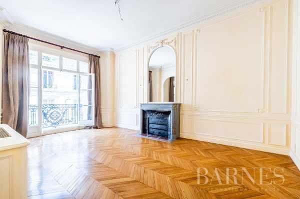 Apartment Paris 75008  -  ref 5840917 (picture 3)