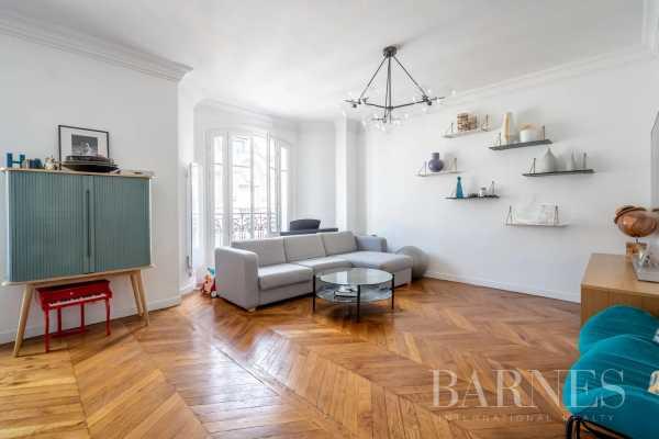 Appartement Paris 75017  -  ref 5849484 (picture 2)