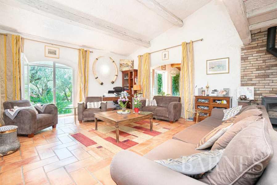 Grasse  - Maison 6 Pièces 4 Chambres