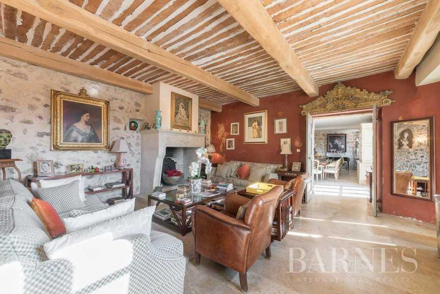 Grasse  - Bastide 11 Pièces 8 Chambres