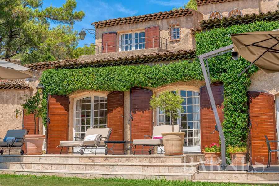 Grasse  - Maison 18 Pièces 9 Chambres