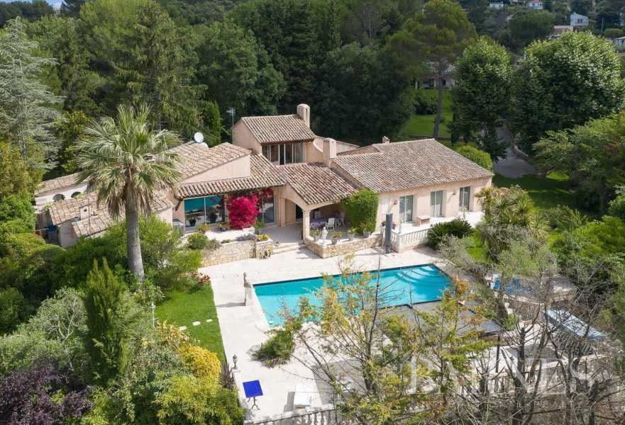 Biot  - Equestrian estate 11 Bedrooms