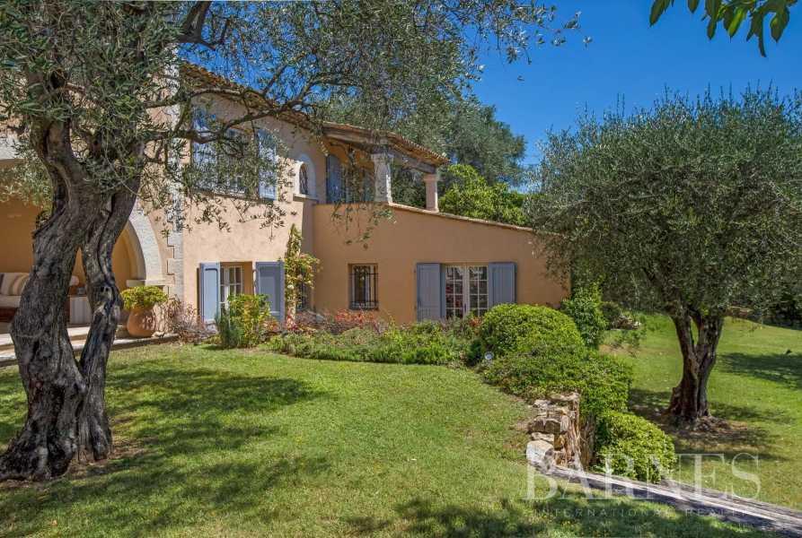 Châteauneuf-Grasse  - Villa 7 Pièces 7 Chambres