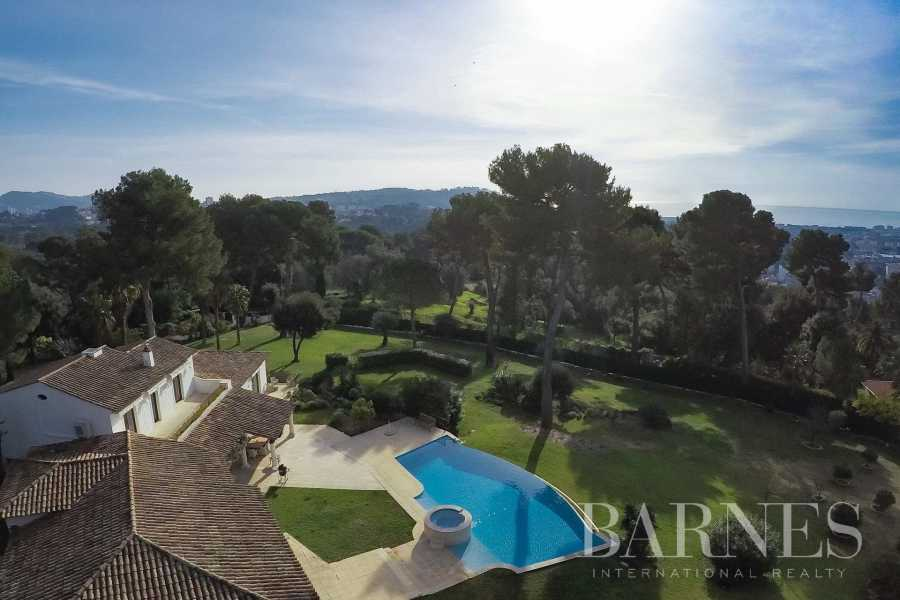 Mougins  - Villa 6 Bedrooms