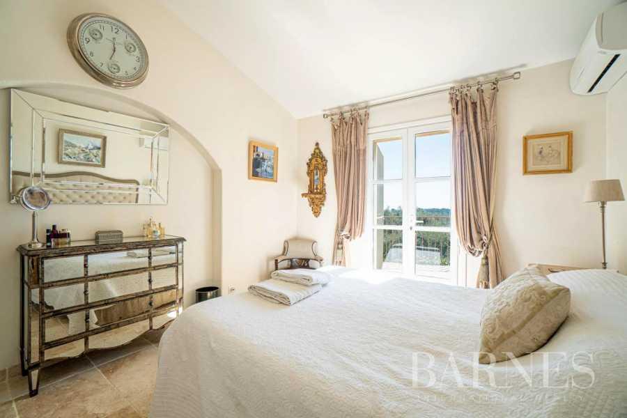 Mouans-Sartoux  - Villa 5 Pièces 4 Chambres