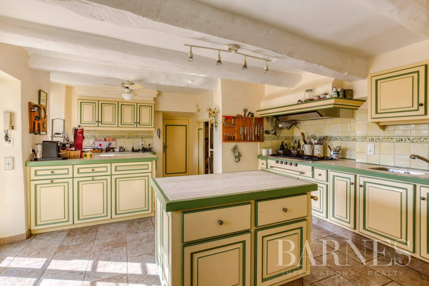 Grasse  - Property 13 Bedrooms - picture 12