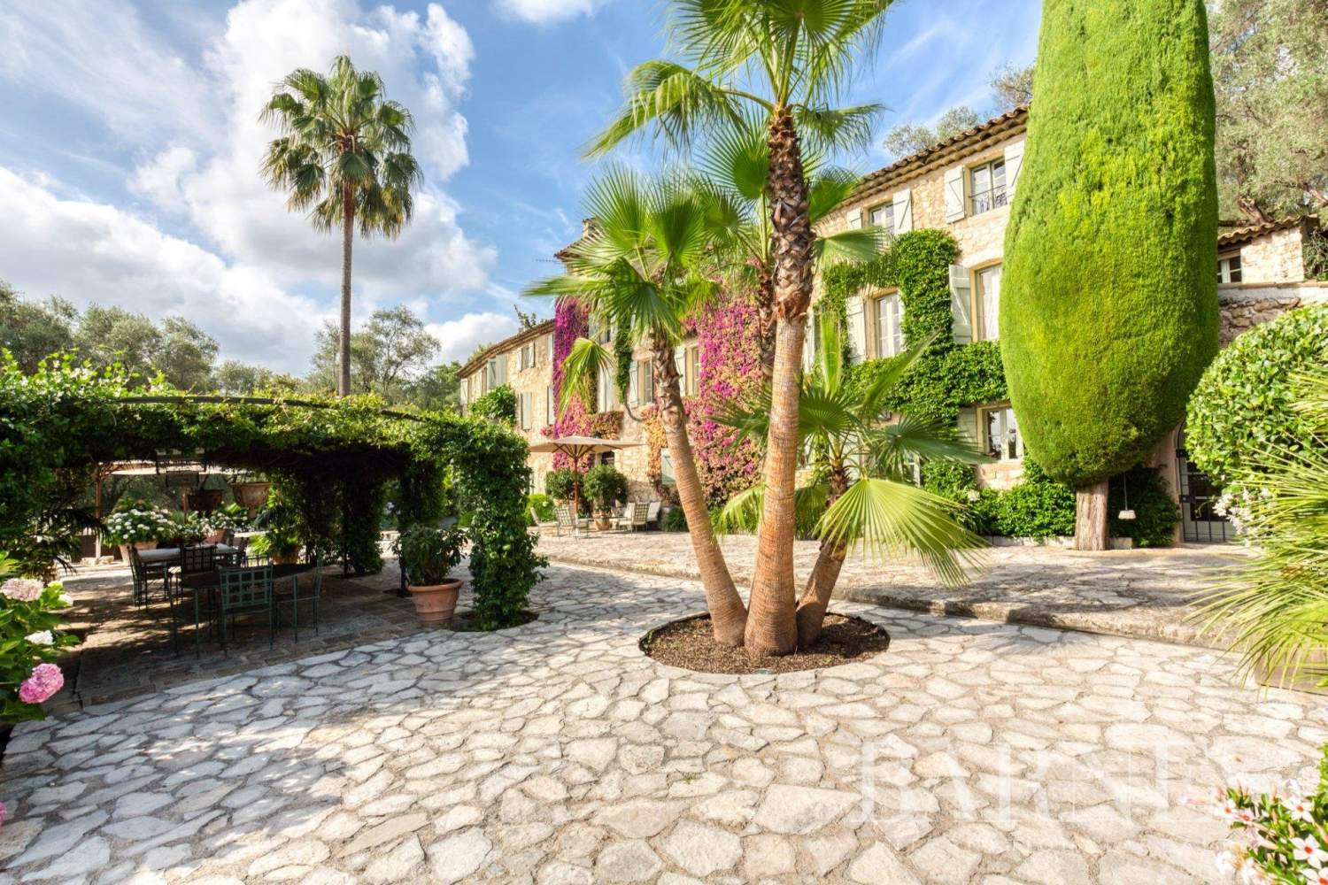 Grasse  - Property 13 Bedrooms - picture 16