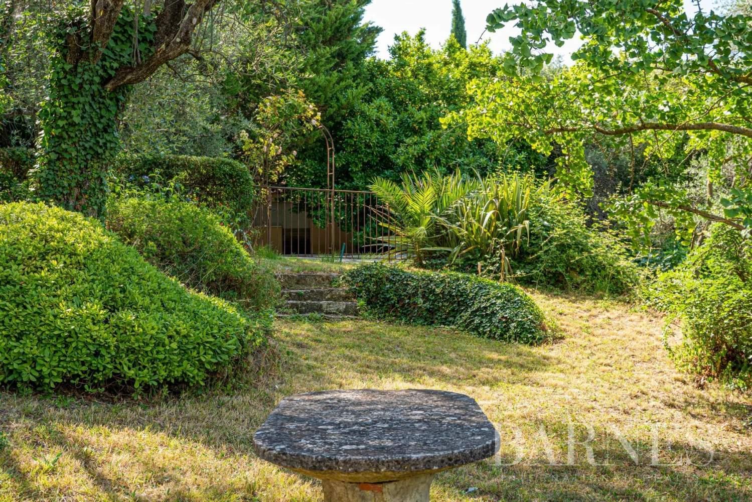 Grasse  - Maison 14 Pièces 8 Chambres - picture 8