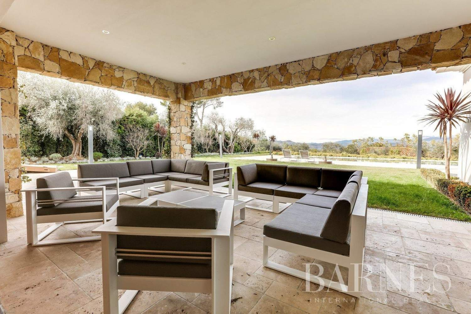 Mougins  - House 5 Bedrooms - picture 10